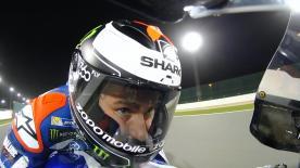 Le esclusive immagini in slow motion di Valentino Rossi e Jorge Lorenzo catturano la loro concentrazione durante la FP1 in Qatar.