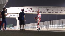 Casey Stoner debütierte während einem regnerischen ersten Tag beim Privattest in Katar auf der Desmosedici GP 2016 Ducati.