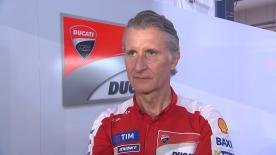 Dylan Gray spricht mit Ducati Corse Sporting Director Paolo Ciabatti darüber, wer den verletzten Danilo Petrucci ersetzten wird.