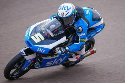 Fenati dirige la troisième séance d'essais en Moto3™