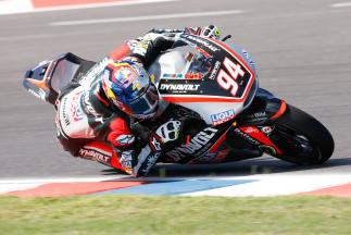 Work continues in Moto2™ FP3 as Folger forges ahead