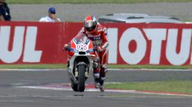 Andrea Iannone & Andrea Dovizioso crashed out on the final lap of the Argentina GP after making contact while battling for second.
