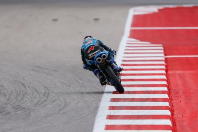 Navarro detta il passo nel warm up della Moto3™