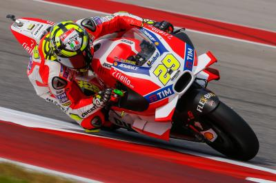 Iannone fights winds to lead MotoGP™ Warm Up