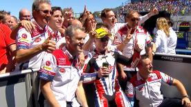 A Jerez Lowes conquista la sua prima vittoria nel 2016, Folger e Rins sono secondo e terzo.