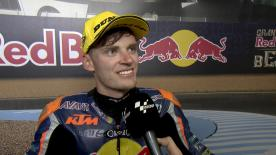 A Jerez il pilota sudafricano conquista la sua prima vittoria, porta il suo paese sul podio del MotoGP™ e consolida il primo posto iridato.