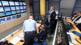 Imágenes inéditas para conocer la rutina del director de carrera de MotoGP™, Mike Webb, durante un Gran Premio.