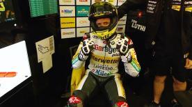 El piloto suizo se hace con la pole position en Le Mans por delante de Álex Rins y Lorenzo Baldassarri.