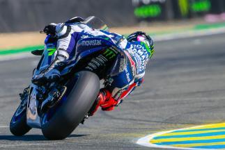 Lorenzo survole la séance FP4 en France
