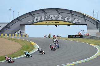 Moto3™ジュニア世界選手権:鳥羽が2位を獲得