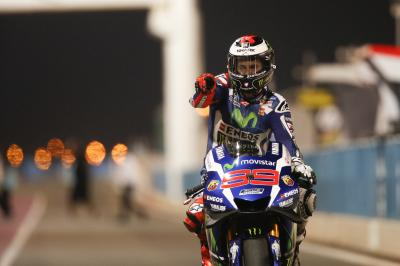 Dominant victory for Lorenzo under the Qatar floodlights