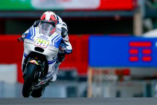 Intermediates help Hernandez grab top in FP1