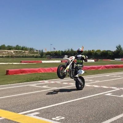 #happywheeliewednesday