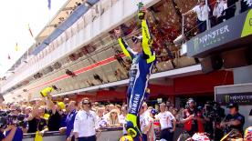 Valentino Rossi won the Catalan GP after an excellent battle with Marc Marquez over the closing laps, as Jorge Lorenzo crashes out.