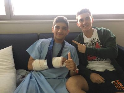 They can't be separated... @PeccoBagnaia has come to visit @88jorgemartin in the hospital