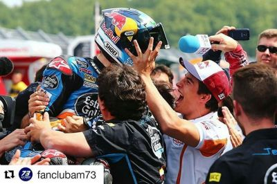 #Repost @fanclubam73 ・・・ #TBT #Assen 2014: @alexmarquez73 y @marcmarquez93 ganando el mismo día! Increíble sensación!  #throughbackthursday Assen #2014: #AlexMárquez & #MarcMárquez winning on the same day! Amazing feeling!  #AM73 #BlueGunners #DutchGP