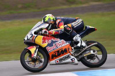 Fernández gana una incierta 1ª carrera en Assen