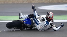 Yonny Hernández, qui menait le Motul TT Assen, a vu tous ses espoirs s'envoler après une chute.