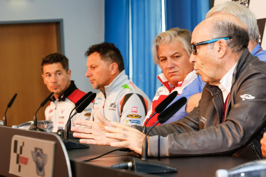 Press Conference: Independent Teams Contract.