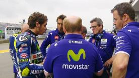 Tyre gamble fails to pay off for Valentino Rossi, while his teammate Jorge Lorenzo limps home in the wet at the Sachsenring.