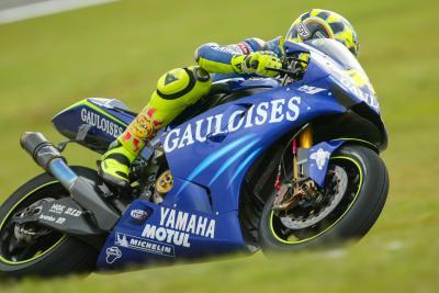 Motos de légende : Yamaha YZR-M1 990
