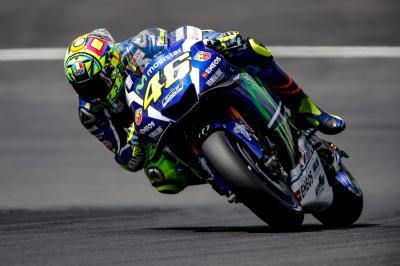 """Rossi: """"Si gira con il gas completamente aperto"""""""