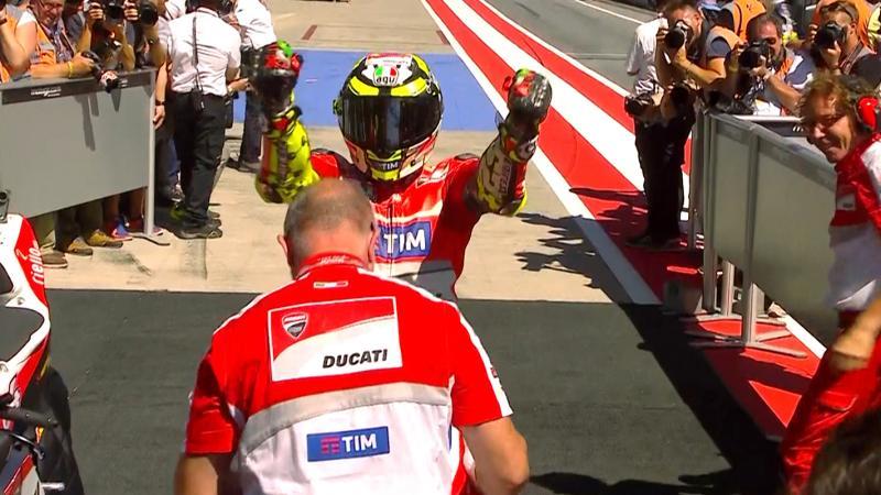 Andrea Iannone gana en el Red Bull Ring seguido por Andrea Dovizioso en un Gran Premio histórico para Ducati