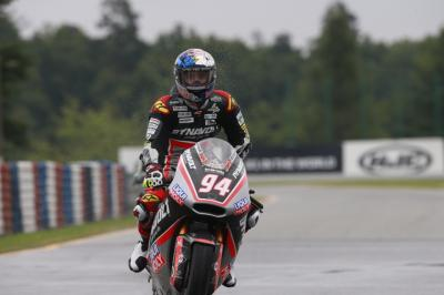 Folger takes faultless wet win