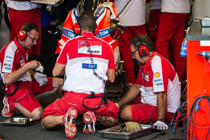 Ducati Team, Octo British Grand Prix © 2016 Scott Jones, PhotoGP