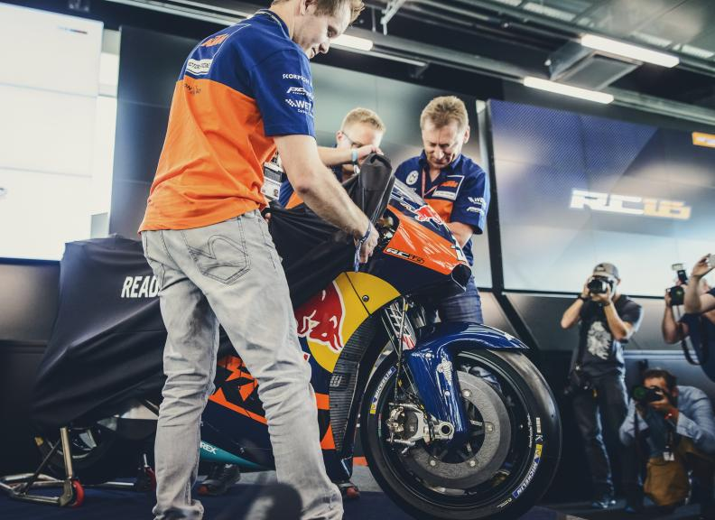 Mika Kallio, Mike Leitner and Sebastian Risse, KTM Factory Racing Team