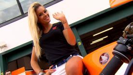 Las azafatas del paddock añaden glamur al Gran Premio TIM de San Marino y de la Rivera de Rímini.