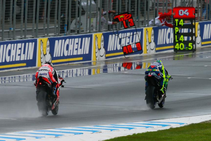 Valentino Rossi, Movistar Yamaha MotoGP and Scott Redding, OCTO Pramac Yakhnich, Michelin® Australian Motorcycle Grand Prix