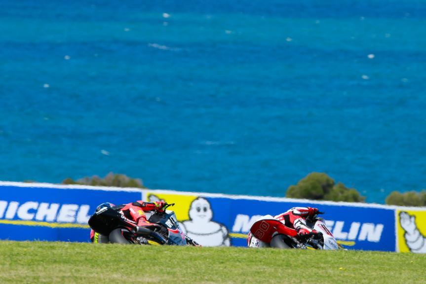 Takaaki Nakagami, IDEMITSU Honda Team Asia and Sandro Cortese, Dynavolt Intact GP, Michelin® Australian Motorcycle Grand Prix