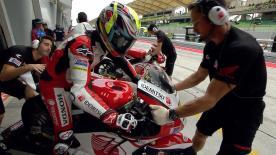 La prima sessione di prove libere per la Moto2™ a Sepang.