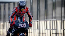 Toda la sesión matinal del primer día del test oficial de MotoGP™ en Valencia.