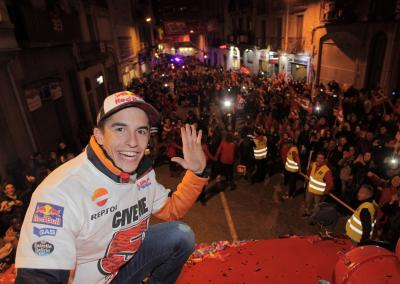 #GiveMe5: Marquez celebrates title in Cervera
