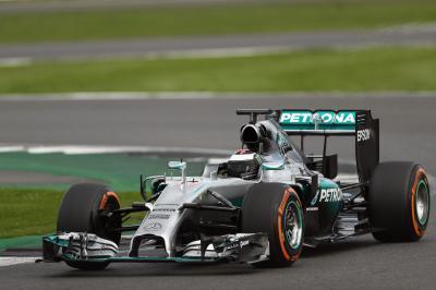 Jorge Lorenzo au volant de la Mercedes AMG PETRONAS F1