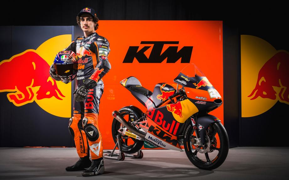 KTM 2017 launch, Niccolo Antonelli