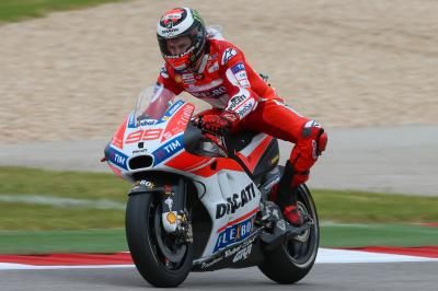 Lorenzo: first Ducati and second row at COTA