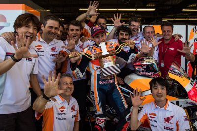 Sois los mejores! Muchas gracias equipo!!  You are the best!! Thanks a lot team! #AmericasGP #USA #victory https://t.co/qMSus6Zrnc