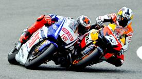 A fantastic race saw Jorge Lorenzo edge his compatriot Dani Pedrosa out at the Gran Premio bwin de España and move to the top of the World Championship standings, with Valentino Rossi completing the podium in third.