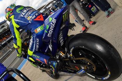 Rossi narrowly misses pole in the #FrenchGP