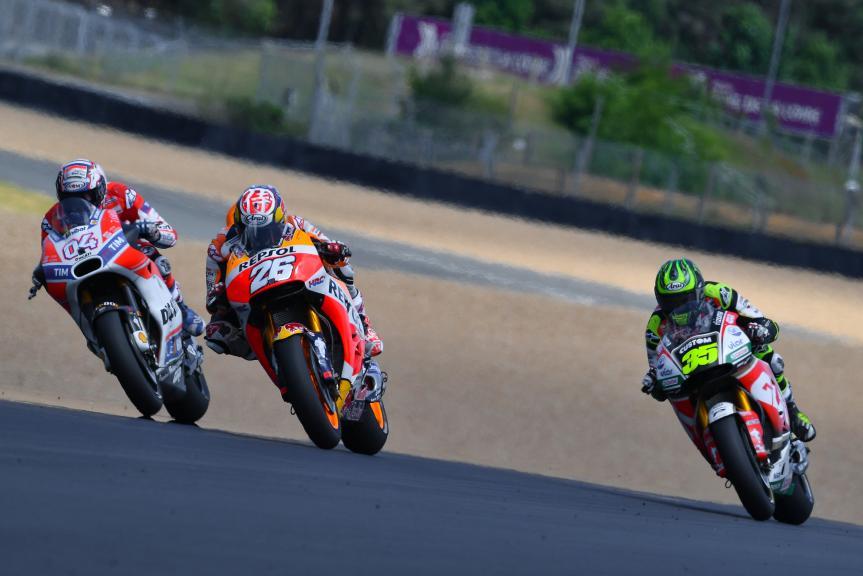 Andrea Dovizioso, Dani Pedrosa, Cal Crutchlow, HJC Helmets Grand Prix de France