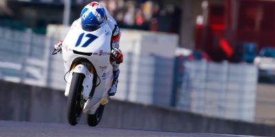 Martin sets pole in Moto3™ - but McPhee starts first