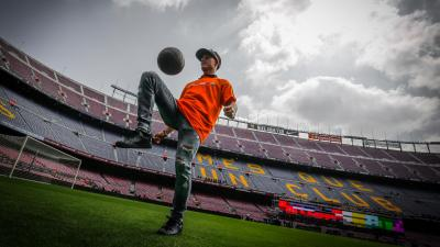 The MotoGP™ grid meet Barcelona's Dream Team at Camp Nou