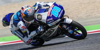 Martin races to record-breaking pole in Montmelo