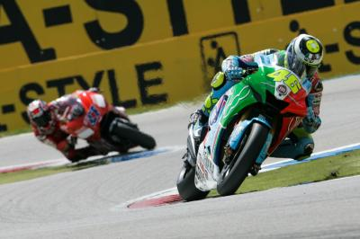 Watch Rossi vs. Stoner at Assen 2007 - free!