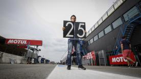 レジェンド、アレックス・クリビーレがスペイン人として初めて500ccクラスで優勝した25年前の1992年第8戦ダッチTTを振り返る。