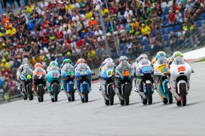 Le Moto3™ atteint la barre des 100 courses à Silverstone