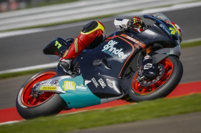 Aegerter se lleva la FP1 de Moto2™